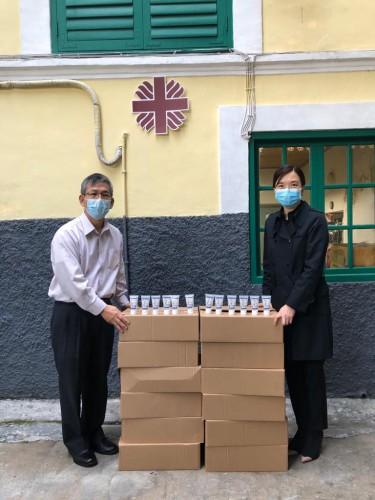 澳門華僑永亨銀行捐贈1500支酒精搓手液
